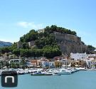 Blick auf den Hafen und die Burg von Dénia