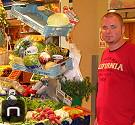 Gemüsestand im Mercat Olivar